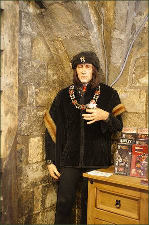 Richard III Experience, Monk Bar